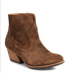 NEW Kork-Ease Suede Ankle Bootie 6M